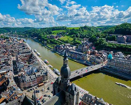 Vendre un terrain pollué en Wallonie : quelles démarches ?